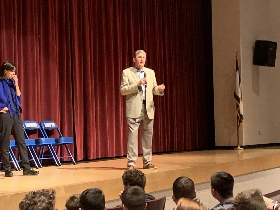 Sen. Manchin Visits LCHS and Enlists Help